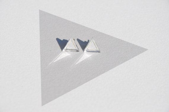 triangle earrings: mirror outline