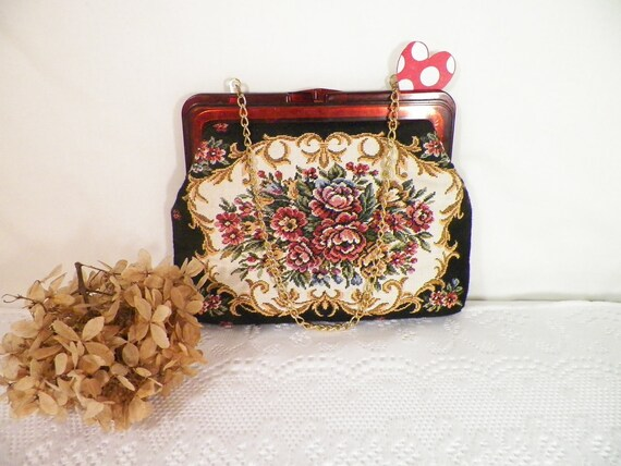 Vintage Tapastry Purse With Gold Chain Made In Hong Kong
