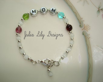 Personalized Moms Bracelet,Mommy, Mama, Mom, Nana, Grandmother, Grandma, Godmother, Aunt, Sisters, Best Friends, Friends, Gift Boxed