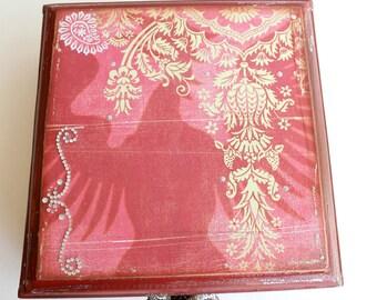 Cigar Box, Trinket Box, Jewelry Box, Stash Box, Altered Art, Box Boho, Red, Altered Cigar Box