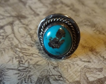 Vintage Navajo Sterling Silver and Turquoise Ring Size 5 1/2
