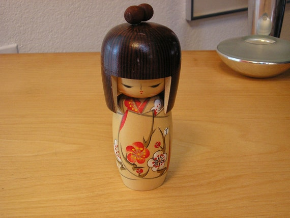 Vintage Japanese Kokeshi figure, doll