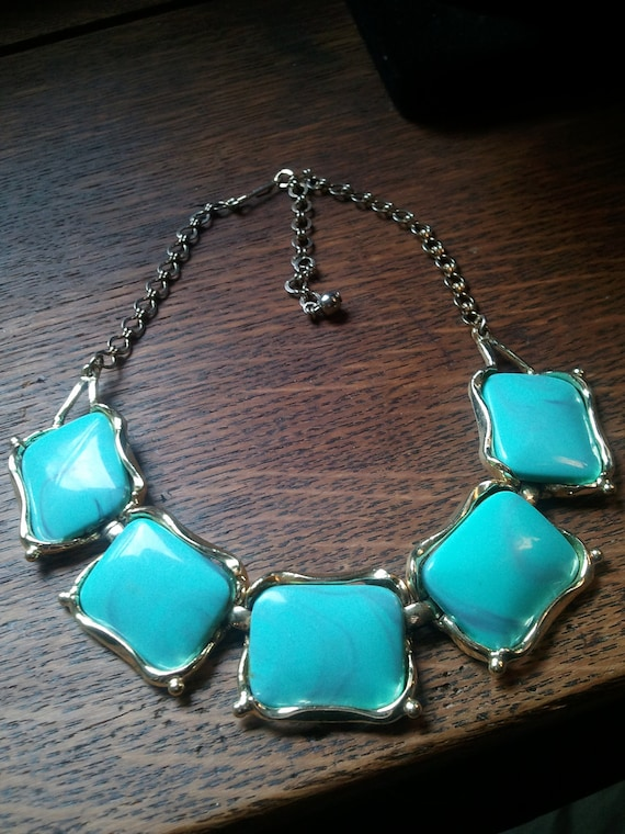 Vintage necklace, chunky Turquoise Blue Swirl Lucite collar choker TURQUOISE necklace, statement