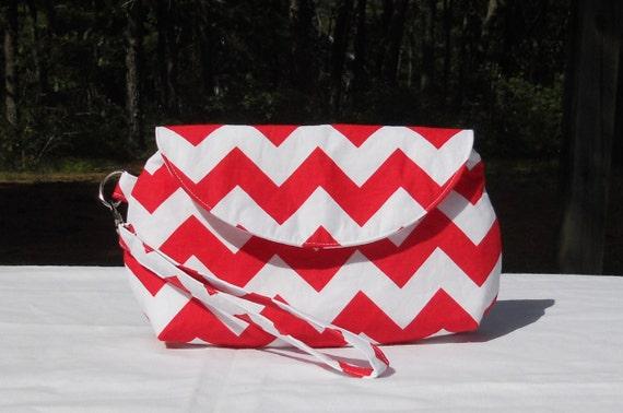 Wristlet purse, red and white chevron
