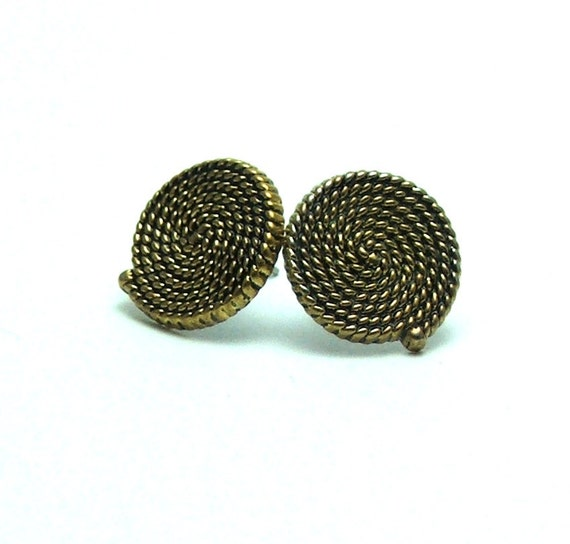 Aged gold rope button earrings