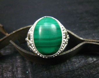 Malachite Gemstone Ring-fine Silver