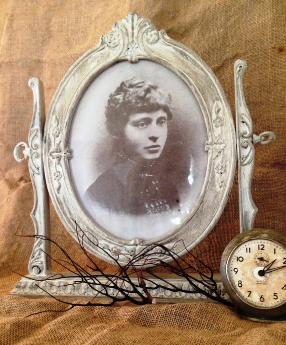 Vintage Shabby Chic Picture Frame Victorian Design