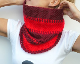 Crochet Cowl Scarf Neckwarmer in Two Shades of Red