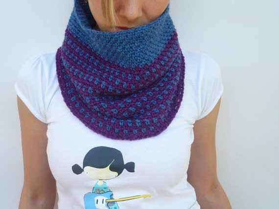 Cowl Scarf Neckwarmer Crochet in Purple and Blue with Big Wooden Button