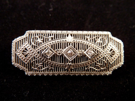 SALE Gorgeous Art Deco 10K Gold & Diamond Filigree Brooch
