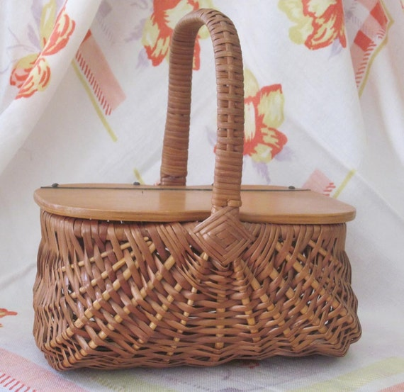Vintage Wicker Basket Purse with Wooden Flip Lid - Picnic Basket Style 1950s