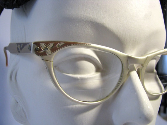 Vintage Cat Eye Glasses Eyewear - Womans 1950s Etched Satin Gold Art-Craft Aluminum 46-20