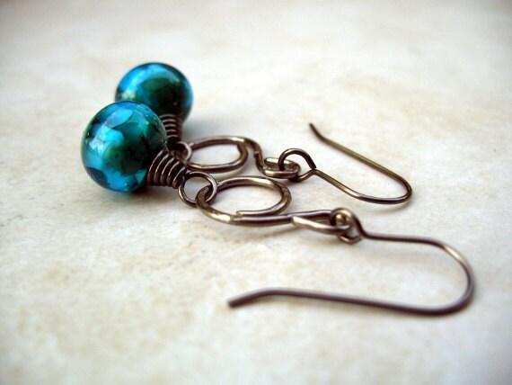 Niobium earrings, blue Effetre glass beads. No 524.