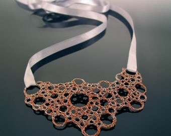 NIIRO | Entangled wire necklace