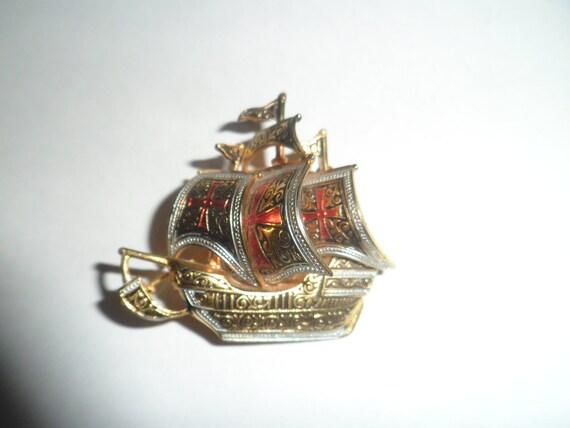 Vintage Damascene Pirate Ship Brooch Gold Red White Black Signed Spain 3 Dimensional Enameled Goldtone