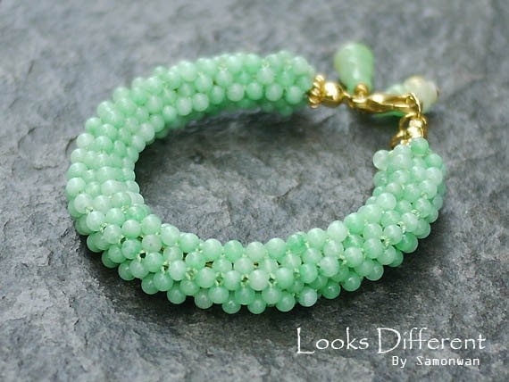 Green jade bracelet / Jade beaded bracelet