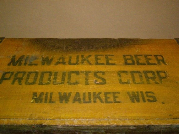 Vintage Yellow Wooden Beer Delivery Box. Milwaukee Beer Products Corp, Milwaukee, Wis. Party Beer and Ice Cooler. Patio. Poolside.