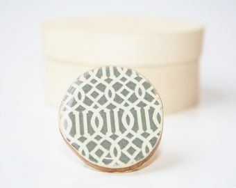 Grey geometric statement ring. Wood statement ring, wood ring, statement jewelry, eco friendly jewelry, eco fashion