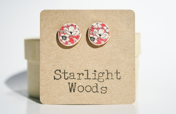Vintage floral studs earrings red floral studs mothers day from husband stud earrings fashion wood earrings Minimalist jewelry eco friendly