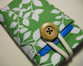 iPhone 3G - 4, iPod-Touch, BlackBerry,Sleeve, Pouch /Padded with Pocket-- Green Cotton Print