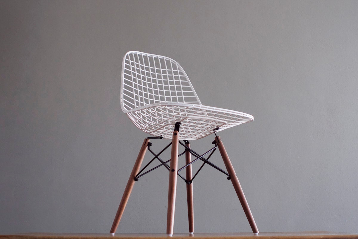 eames dkw vintage white wire side chair for herman by castandcrew. Black Bedroom Furniture Sets. Home Design Ideas