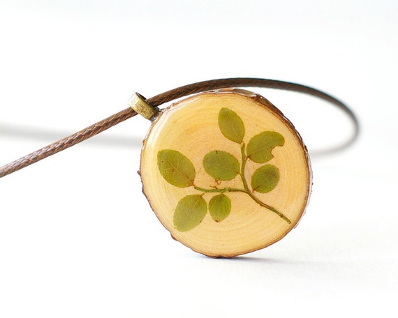 Wooden Botanical Necklace - green woodland nature jewelry - real dried preserved plant
