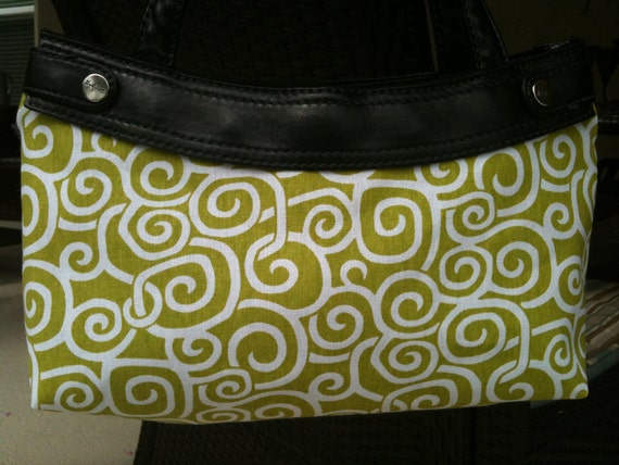 SPring green and white swirls Thirty One Purse Cover