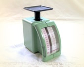 Kitchen Scale - HelthOmeter diet scale food scale pistachio green postal scale vintage 80s