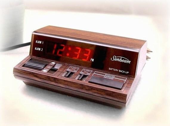 Vintage Alarm Clock - Sunbeam trackball electric retro alarm clock with 2 alarms, woodgrain 1980s  RARE n Sexy vintage Alarm
