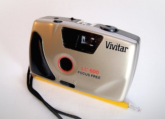 Vintage 35mm Point and Shoot Camera   -  Vivitar  LC600  great for lomography , simple film camera -  EXCELLENT.