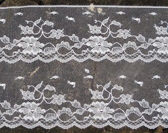"Vintage Lace - White Floral, Bridal Lace, Lingerie Lace, French Lace,  7 Yards 4"" Wide Dajinet Lace by the Nalpac Company Montreal Canada"