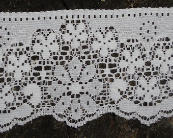 """Bridal Lace, Dajinet Lace, French Trim, White Scalloped, Lingerie Lace, Nalpac Company Montreal Canada - 5  Yards 2 1/2"""" Wide"""