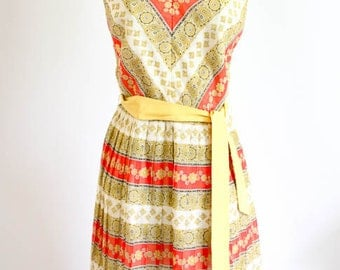 1960s V neck  Pleated Floral Dress
