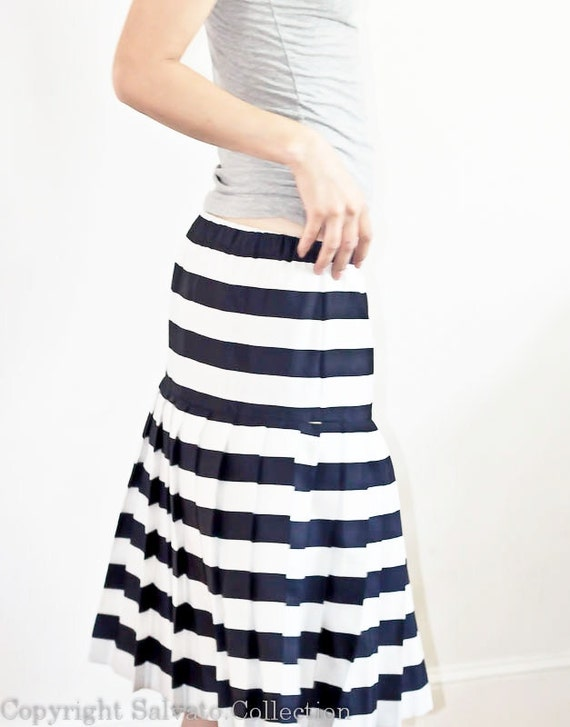 Striped Navy Blue and White Vintage Pleated Skirt