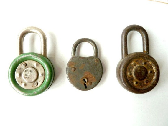 Vintage french Padlock . Collectibles .Supplies . Vintage lock. Industrial decor