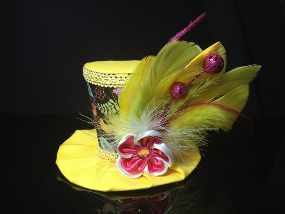 Adorable Brown and Yellow Bird Print Mini Top Hat.  Great for Birthday Parties, Tea Parties, Photo Prop and Much More...