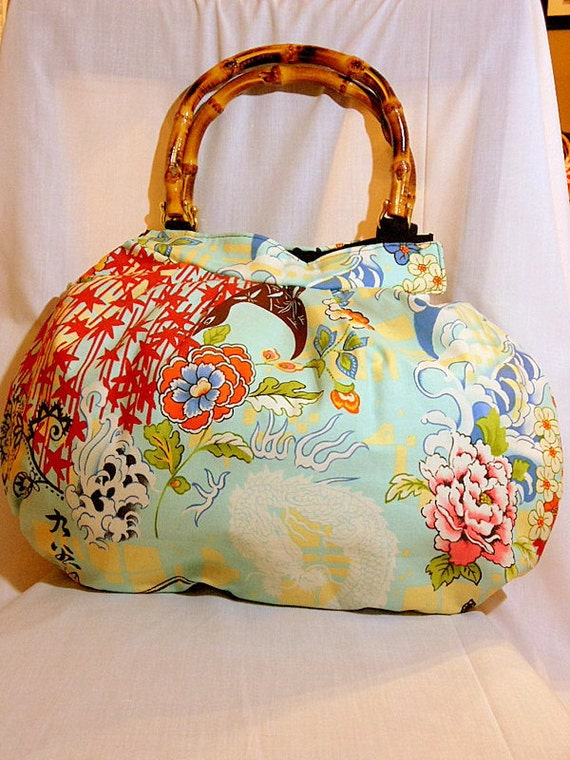 Japanese Bag, Large Purse, Handbag, Bamboo Handle Bag - Japanese Print Cotton fabric - Kyoto Style, Beige and Light Blue - In Stock