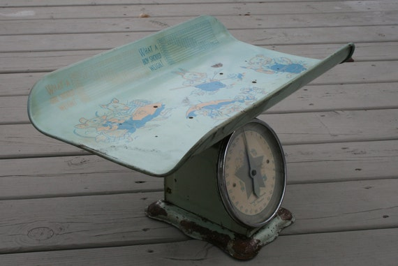 Vintage Baby Scale Blue Chippy Retro 50s Amazing Graphics