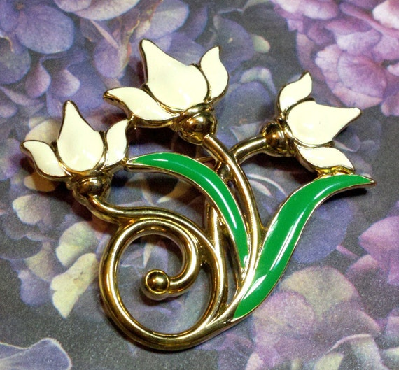 Monet signed white lily brooch enameled, classic and bold with green leaves flower