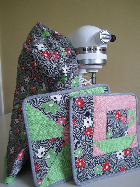 Sale kitchen set quilted kitchen aid mixer by thequiltedtulip for Quilted kitchen set