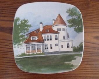 Arabia Finland vintage wall handing plate majvik