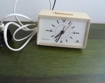 Vintage electrical alarm clock Remington