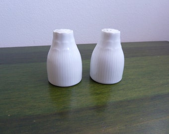 Vintage W Germany Kaiser salt and pepper shakers 2,5""