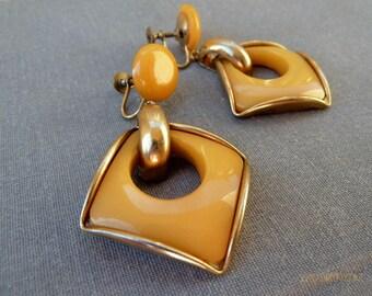 VIntage Bakelite Earrings Mod 1960s Yellow Bakelite Butterscotch Dangle Earrings Bakelite Jewlery