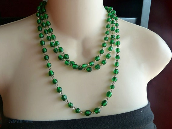 Long Flapper Emerald Green Czech Glass Necklace 1920s Vintage Jewelry 60 Inch