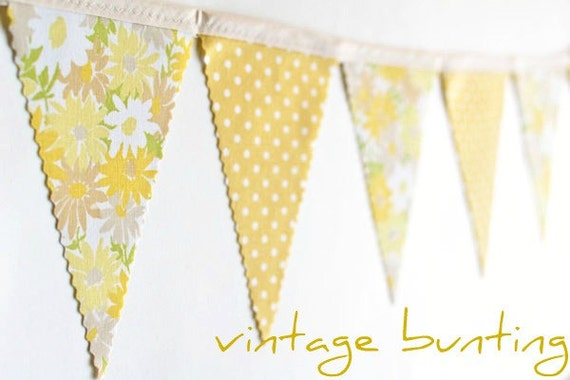 Yellow Daisy - Vintage Floral Bunting Banner with 12 Flags