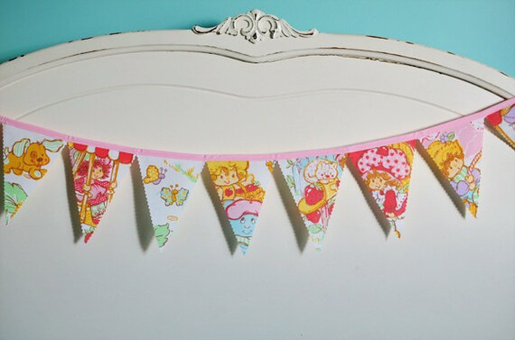 Strawberry Shortcake - Vintage Bunting Banner with 12 Flags