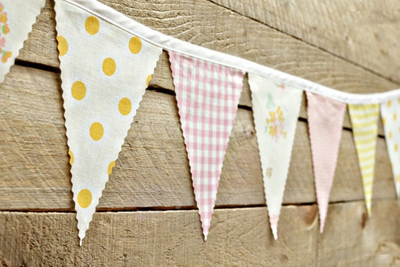 Playful - Vintage Bunting Banner with 12 Flags