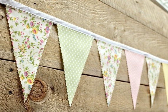 Nice - Vintage Bunting Banner with 12 Flags
