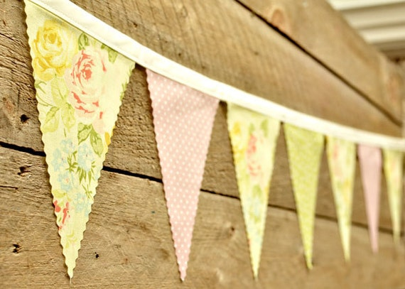 Pleasant - Vintage Bunting Banner with 12 Flags